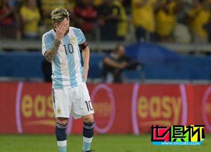 阿根廷危机!曝梅西乘飞机呕吐 状态又成疑