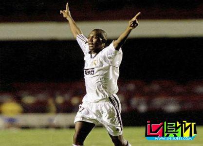 2000世俱杯欧非足球大博命 皇马3-2险胜卡萨布兰卡