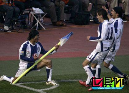 2008世俱杯-非洲王惨遭超级逆转 帕丘卡4-2加时晋级