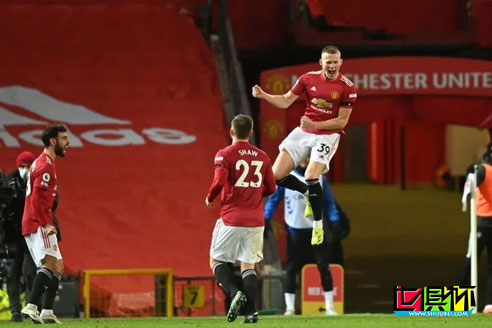 足总杯曼联1-0淘汰西汉姆晋级8强,替补出场的麦克托米奈破门制胜