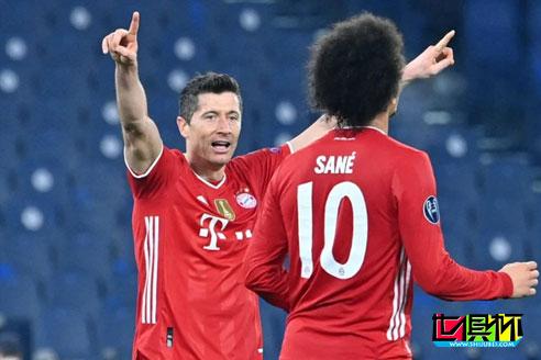 欧冠1/8决赛首回合,刚刚拿到世俱杯冠军的拜仁客场4-1击败拉齐奥