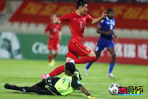 世预赛中国队5-0大胜马尔代夫,国足拿到3分基本晋级12强赛-第1张图片-世俱杯