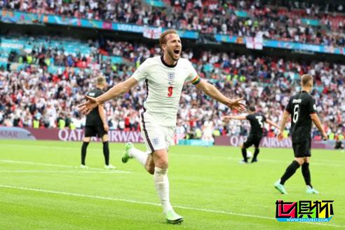 欧洲杯1/8决赛,英格兰2-0击败德国晋级8强,凯恩打破球荒