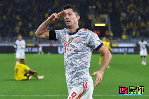 拜仁3-1胜多特蒙德,摘得第九次德超杯冠军,莱万梅开二度