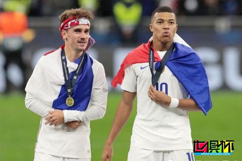 法国队2-1逆转西班牙队夺得欧国联冠军,姆巴佩传射成为最大功臣
